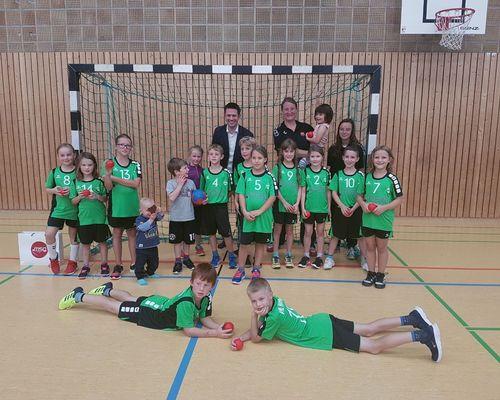 Neue Trikots für die F-Jugend des VfL Herrenberg Handball